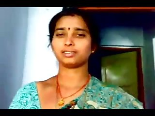 telugu aunty showing bobs
