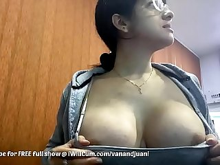 Big Tit Indian MILF Shows Off Body At Work With People In The Office