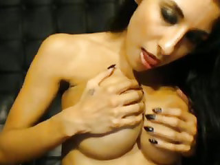Busty Hottie Masturbating with her Toy till she Orgasm