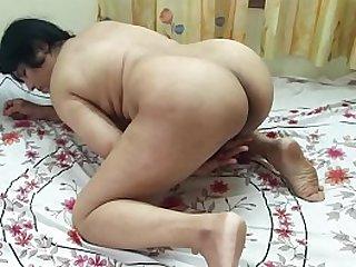 #NaziaPathan Big ass Desi bhabhi masturbating in front of camera - Part 1/2