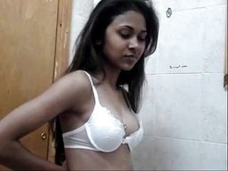 mumbai nude gril removing bra