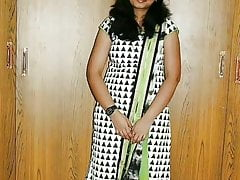 Coimbatore call girl showing her nude throng with tamil audio